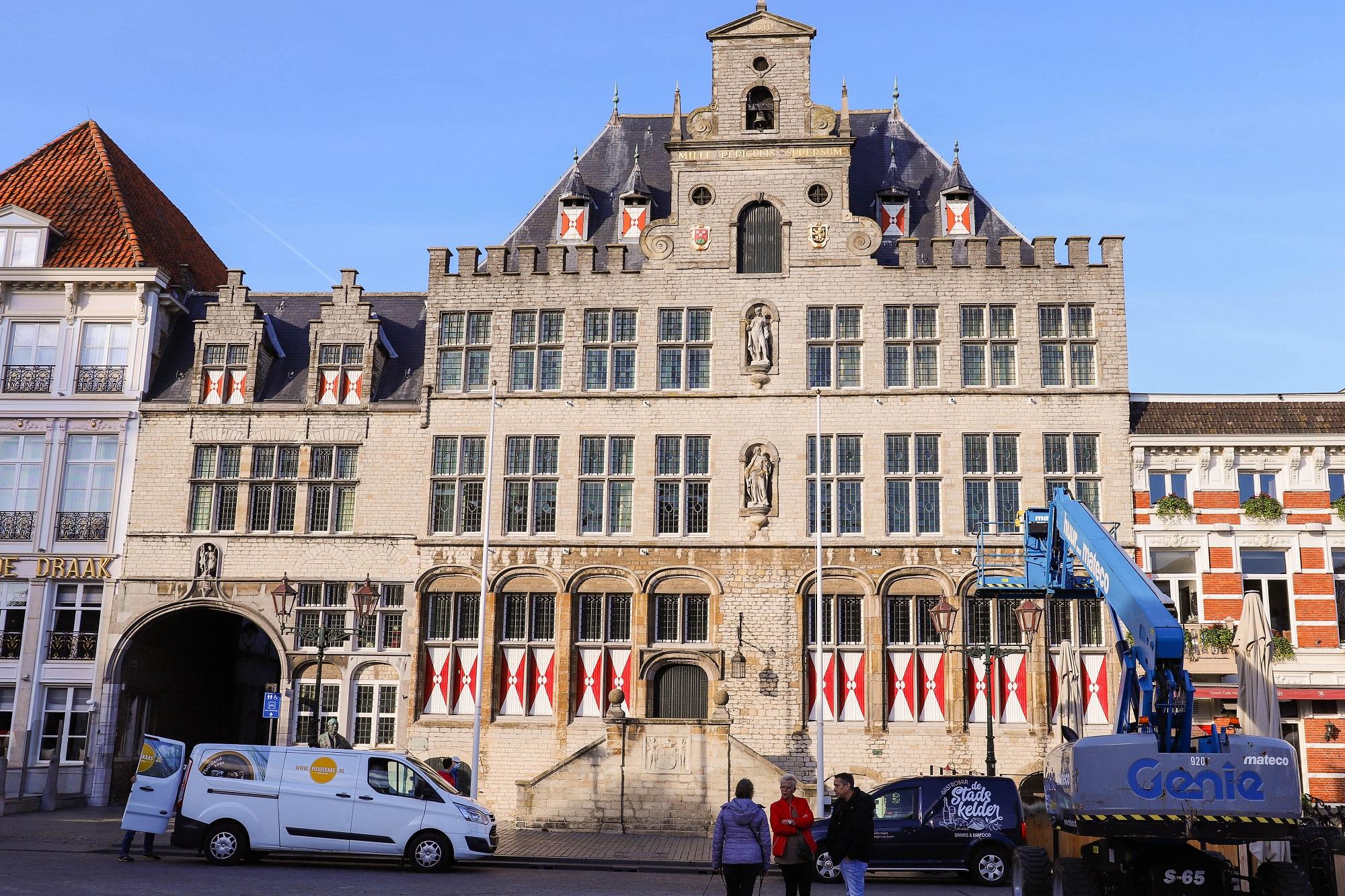 Werken om de hoek: 5 x leuke vacatures in Bergen op Zoom stadhuis grote markt