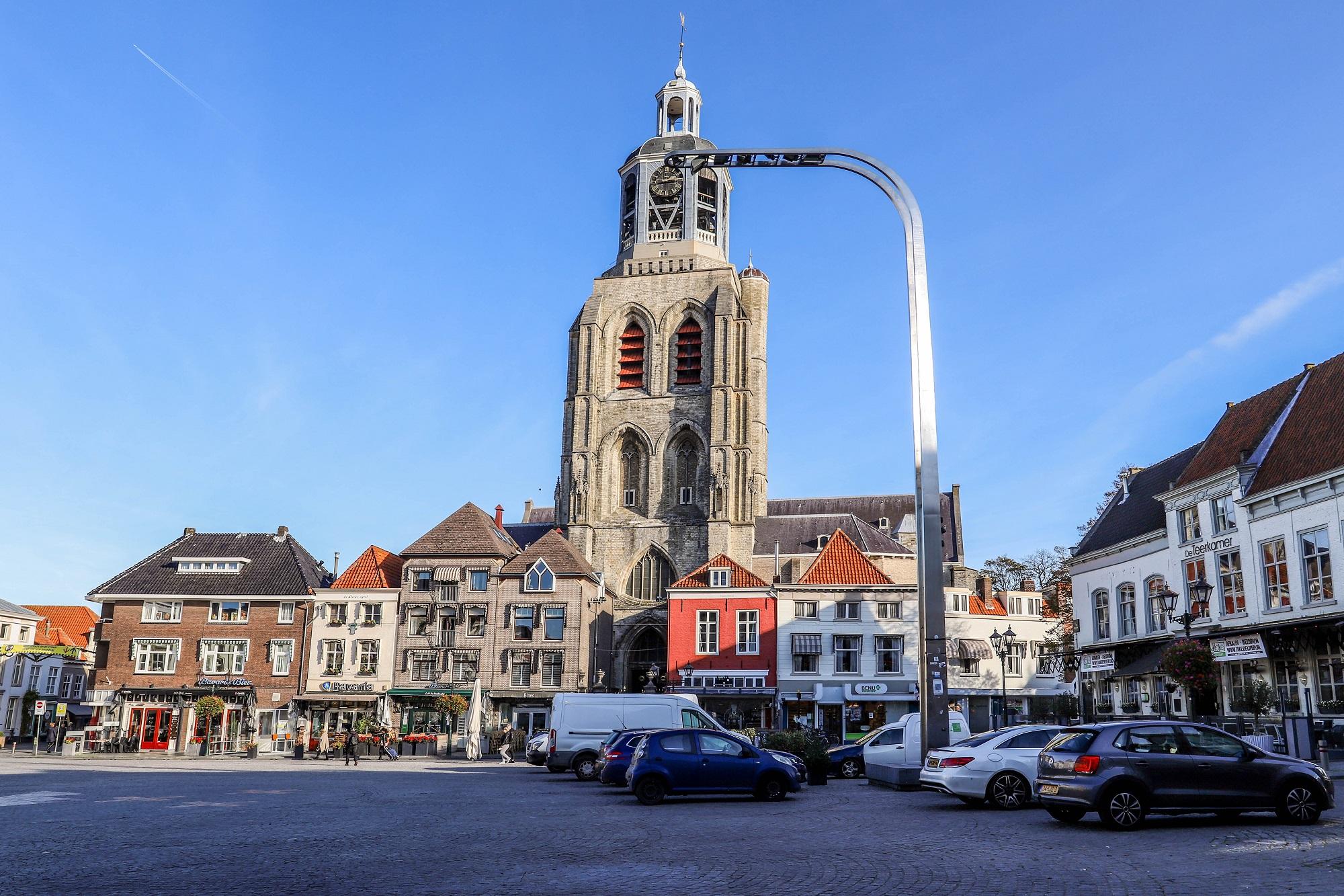stembureaus Bergen op Zoom peperbus sint-gertrudiskerk grote markt