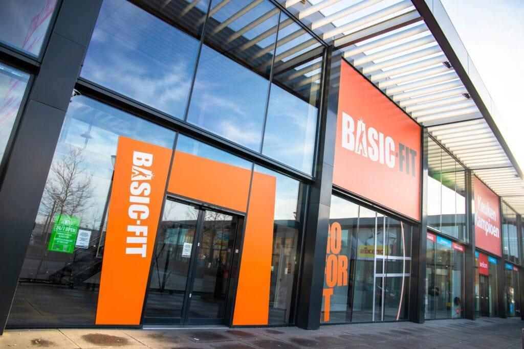 markiezaatsweg de zeeland woonboulevard winkel basic fit fitness sporten sport sportschool