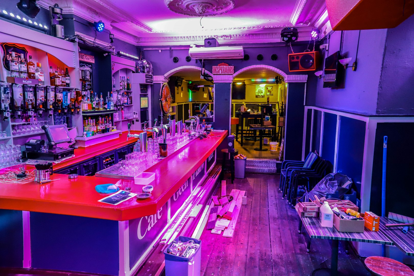 cafe café geen flauw idee gfi markt uitgaan discotheek verbouwing