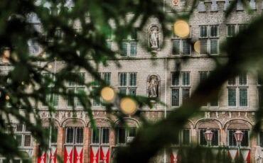 kerstboom bergen op zoom kerst kerstmis stadhuis grote markt kerstversiering