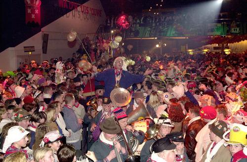 2001 prins wannes II neuzebal stoelemat vastenavend