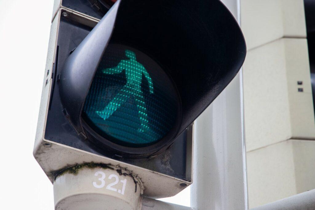 stoplicht groen voetgangers verkeerslicht