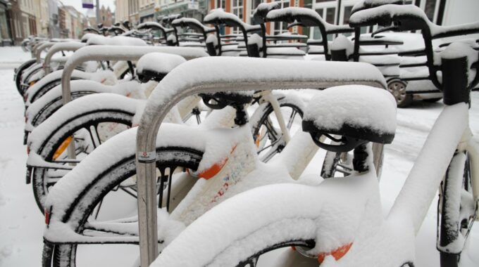 sneeuw winter sneeuwen fiets fietsen