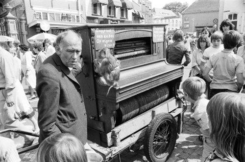 dier dieren aap krabbenfoor 1979