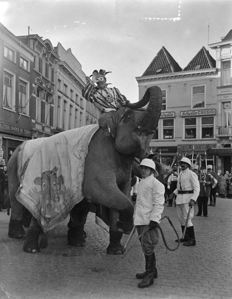 olifant olifanten prins nilles 1 I vastenavend grote markt