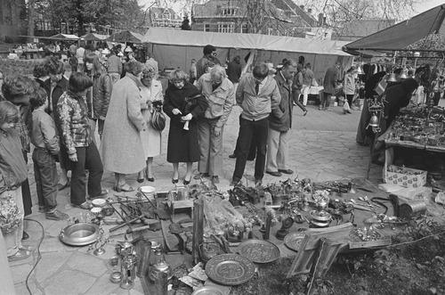 antiekmarkt vrijmarkt koninginnedag 1981