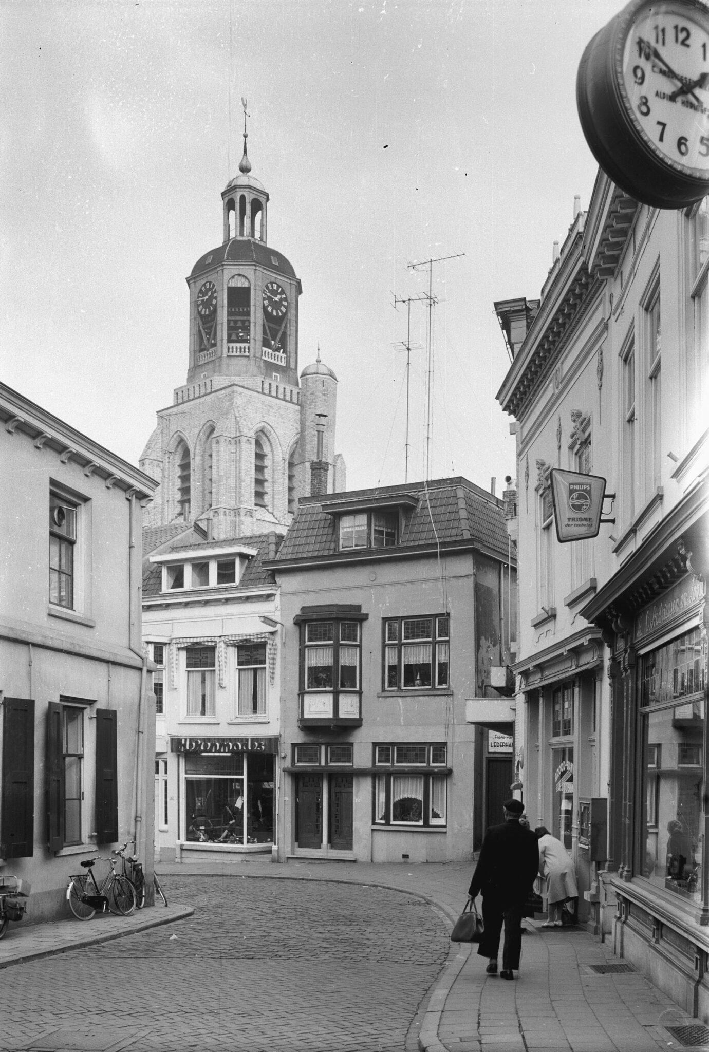 peperbus grote markt salon huizen binnenstad bergen op zoom vroeger en nu