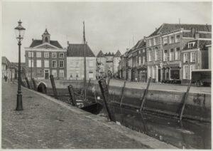 spuihuis gedempte haven oude haven water kaai boot boten bergen op zoom vroeger en nu