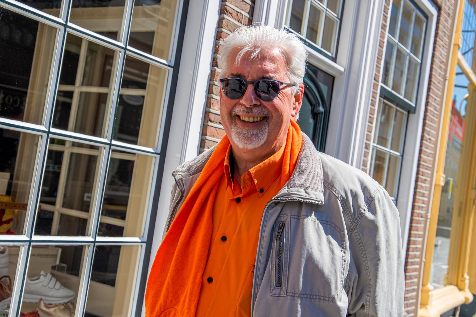 koningsdag 2021 kingsday woningsdag oranje 27 april vlag man