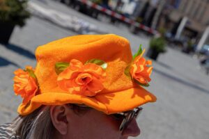 koningsdag 2021 kingsday woningsdag oranje 27 april vlag hoed hoedje