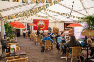 t slik schorre cafe terras terrassen horeca bier