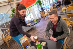 t slik schorre cafe terras terrassen horeca bier marijke withagen