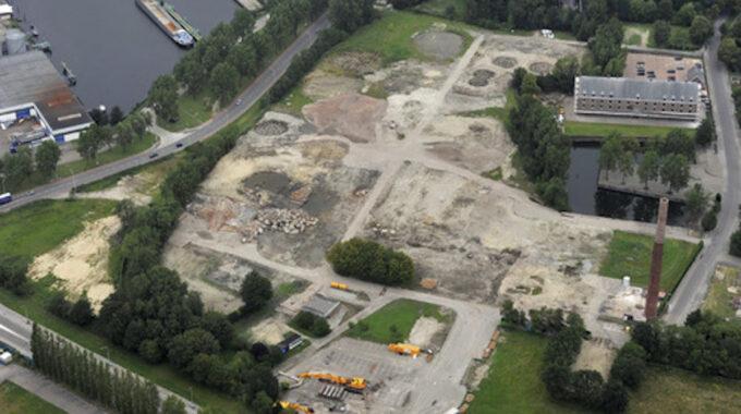 Bergen op Zoom: Luchtopname terrein spiritusfabriek Nedalco