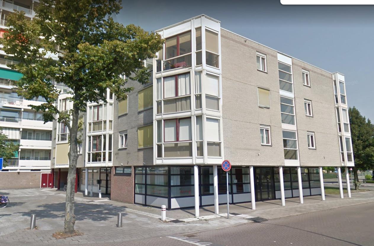 Bij Bosshardt aan Zonneplein 32.