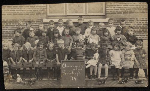 klassenfoto theresiaschool bergen op zoom jaren 20