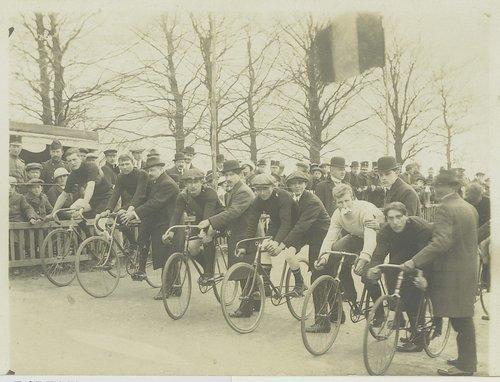 wielerwedstrijd raayberg jaren 20 antwerpsestraatweg