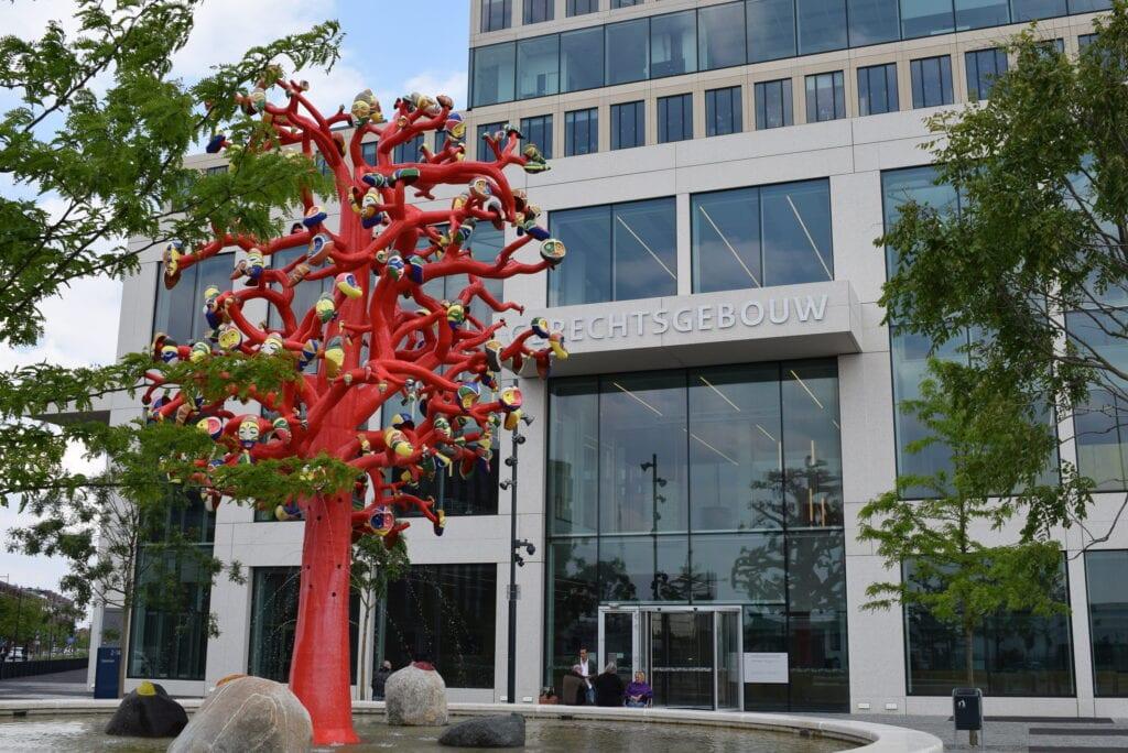 rode boom gerechtsgebouw
