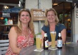 Bredanaars Irma en Gwen van alleterasjes testen alle terrasjes in Breda
