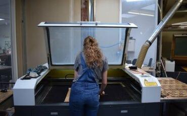 Laser snijlab in creatieve Broedplaats en laserlab Brandpunt jn Breda