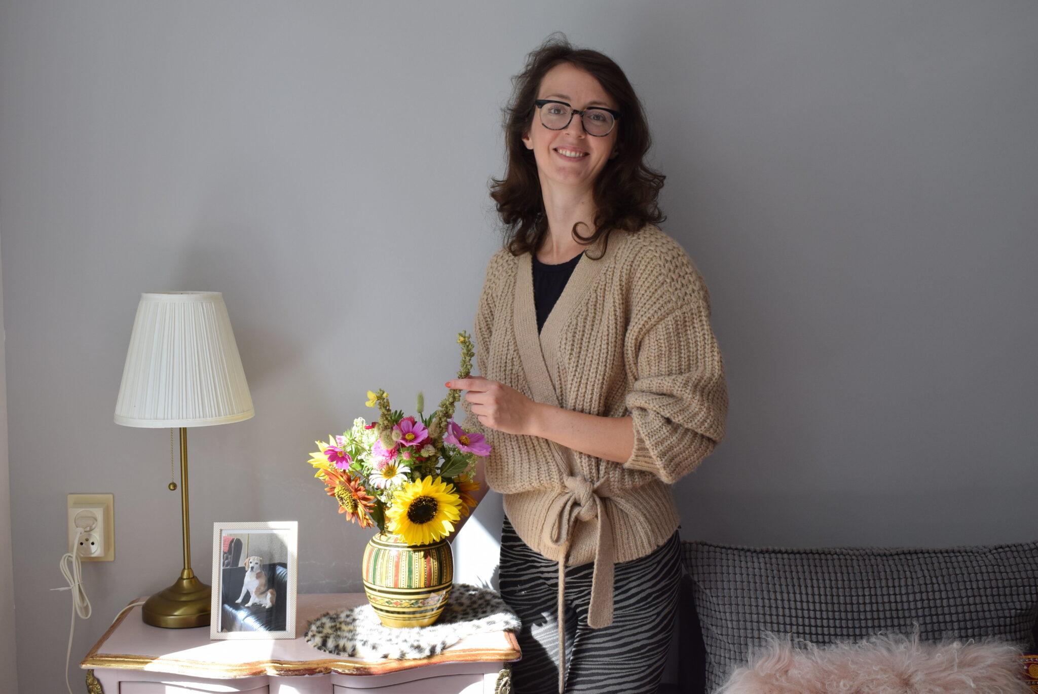 Suzanne Kop in haar woning aan de Hooghout