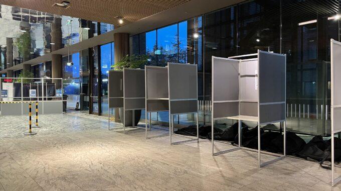 stemhokje verkiezingen stemlokaal station breda