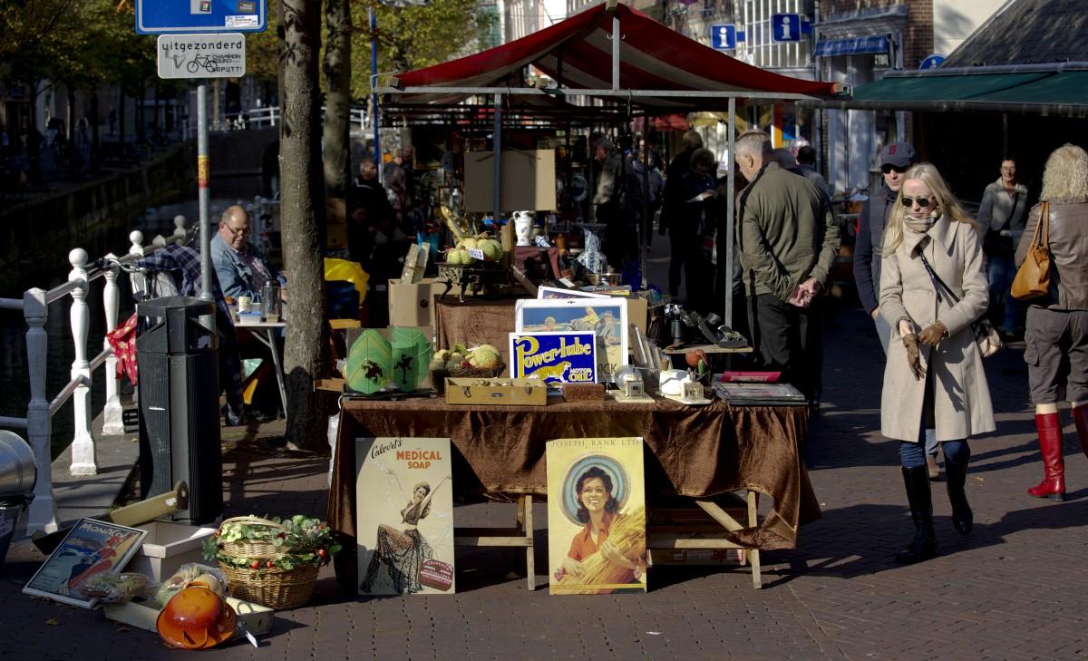 Antiekmarkt Delft antiek shoppen
