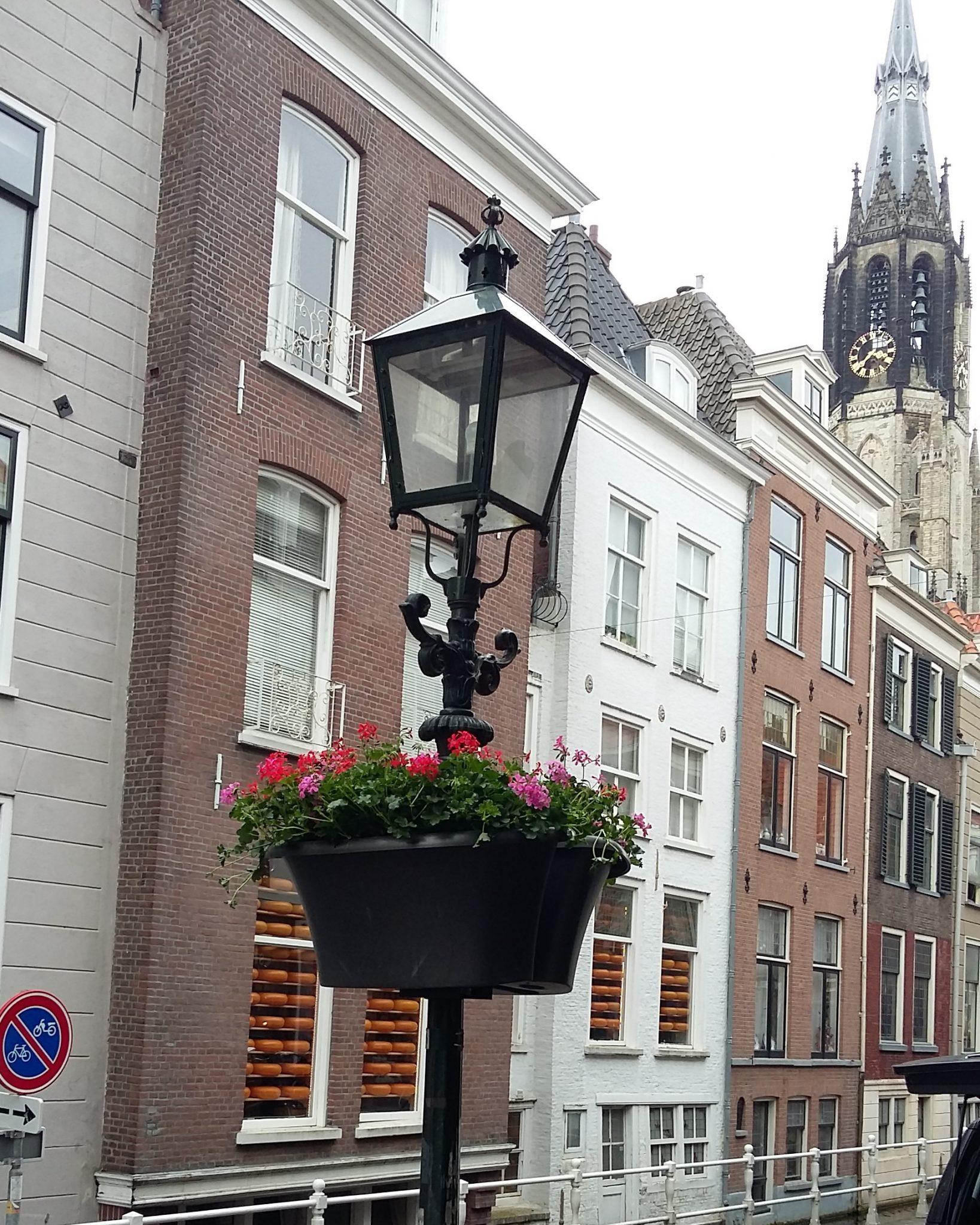 bloembakken delftse binnenstad