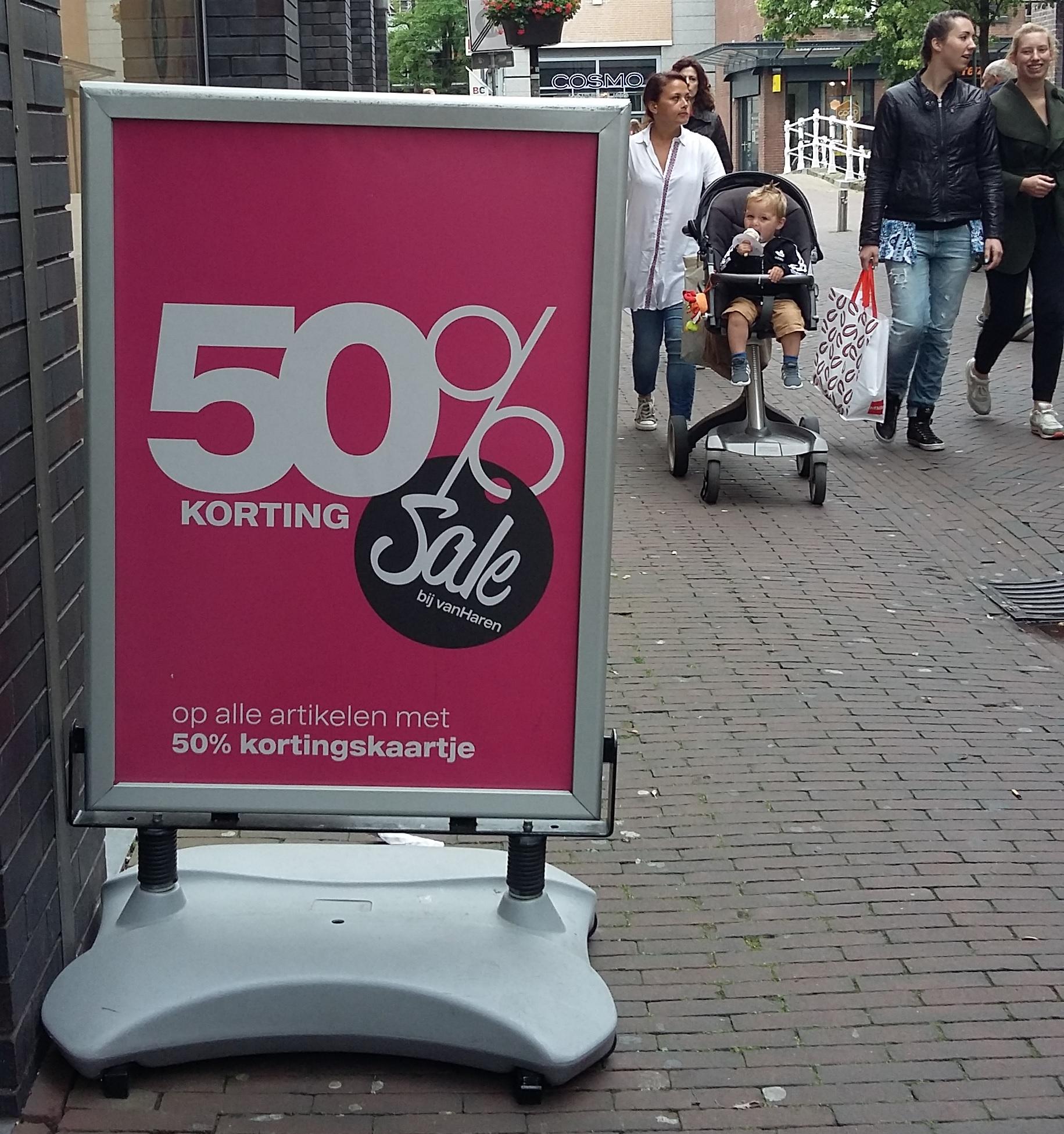 Sale in Delft