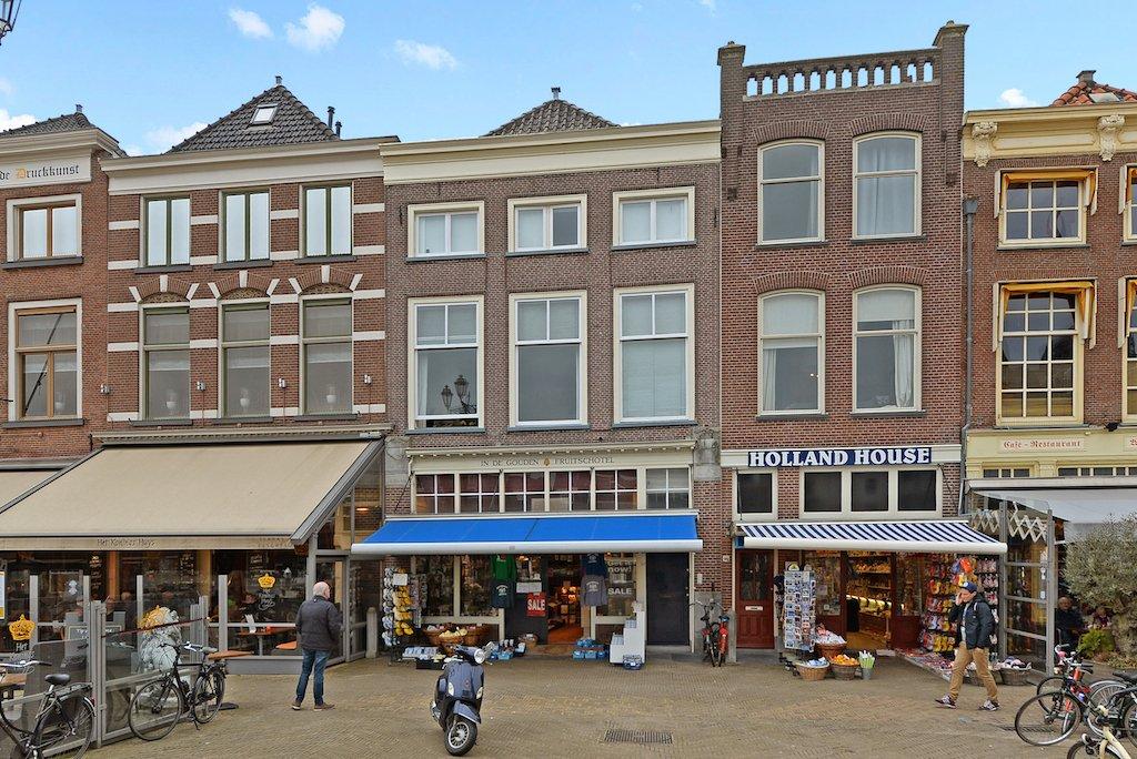 Markt Delft villa tuinfeest