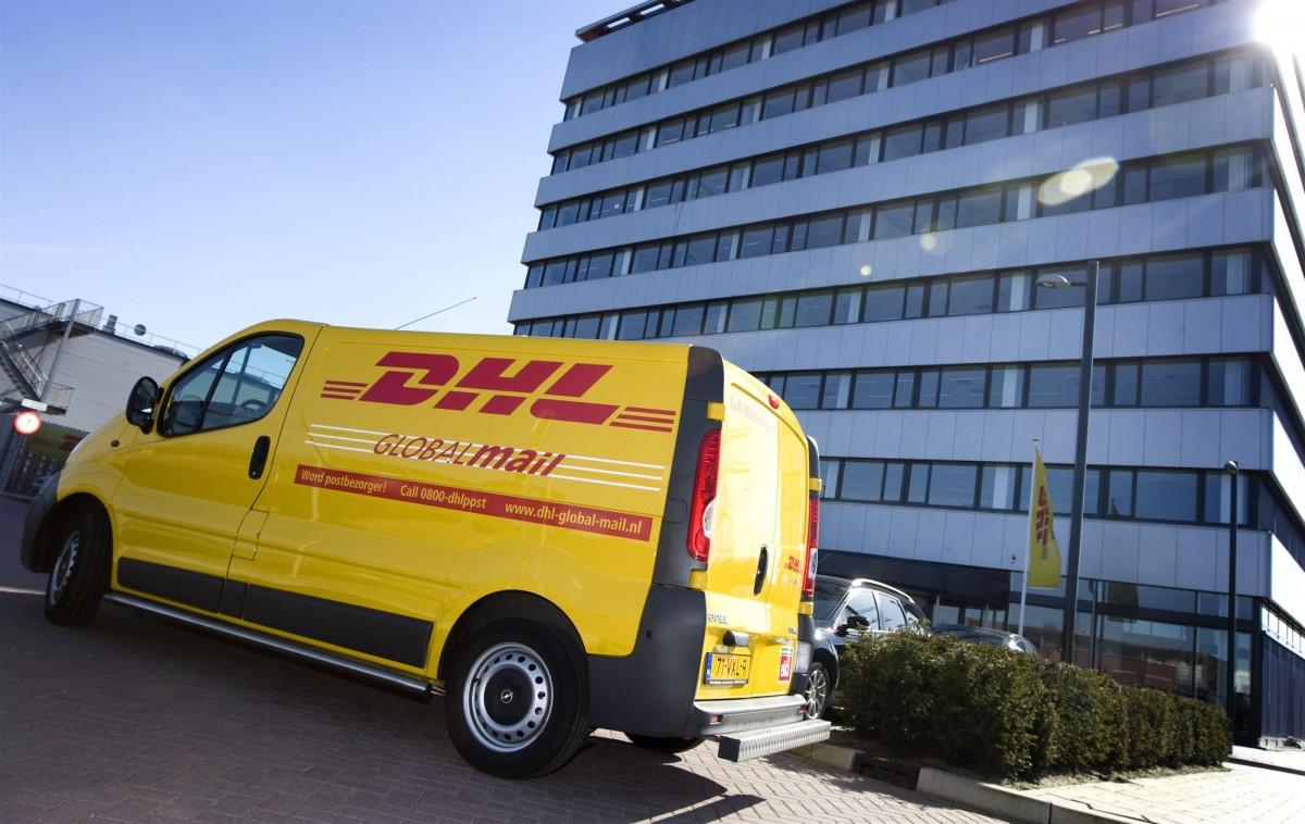 DHL pakketbezorger