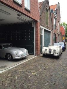 Deze witte Jaguar uit 1956 had je zo tegen het lijf kunnen lopen