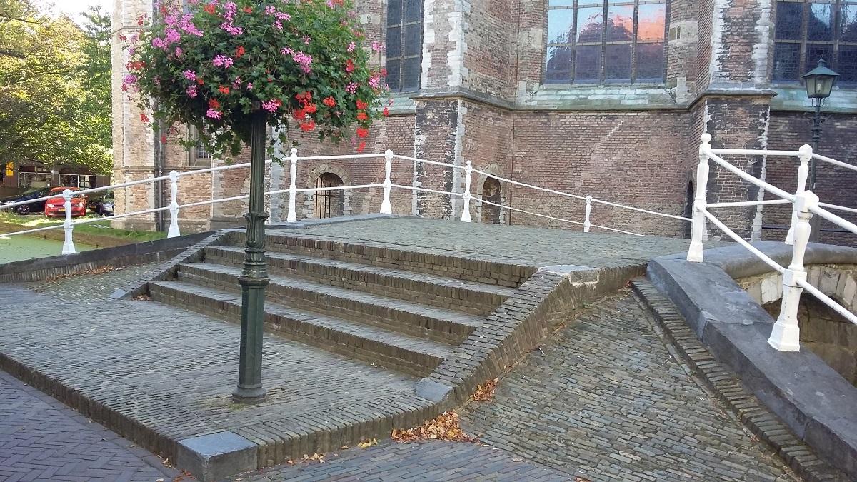 vrouwe van Rijnsburgerbrug delft nieuwe kerk