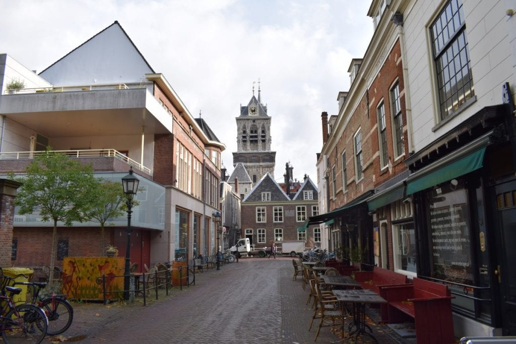 centrum-stadhuis-delft-boterbrug-waag-airbnb