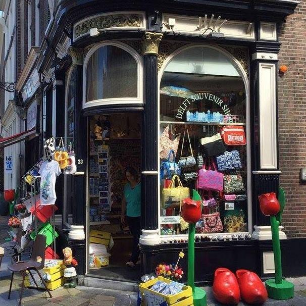 delft souvenir shop