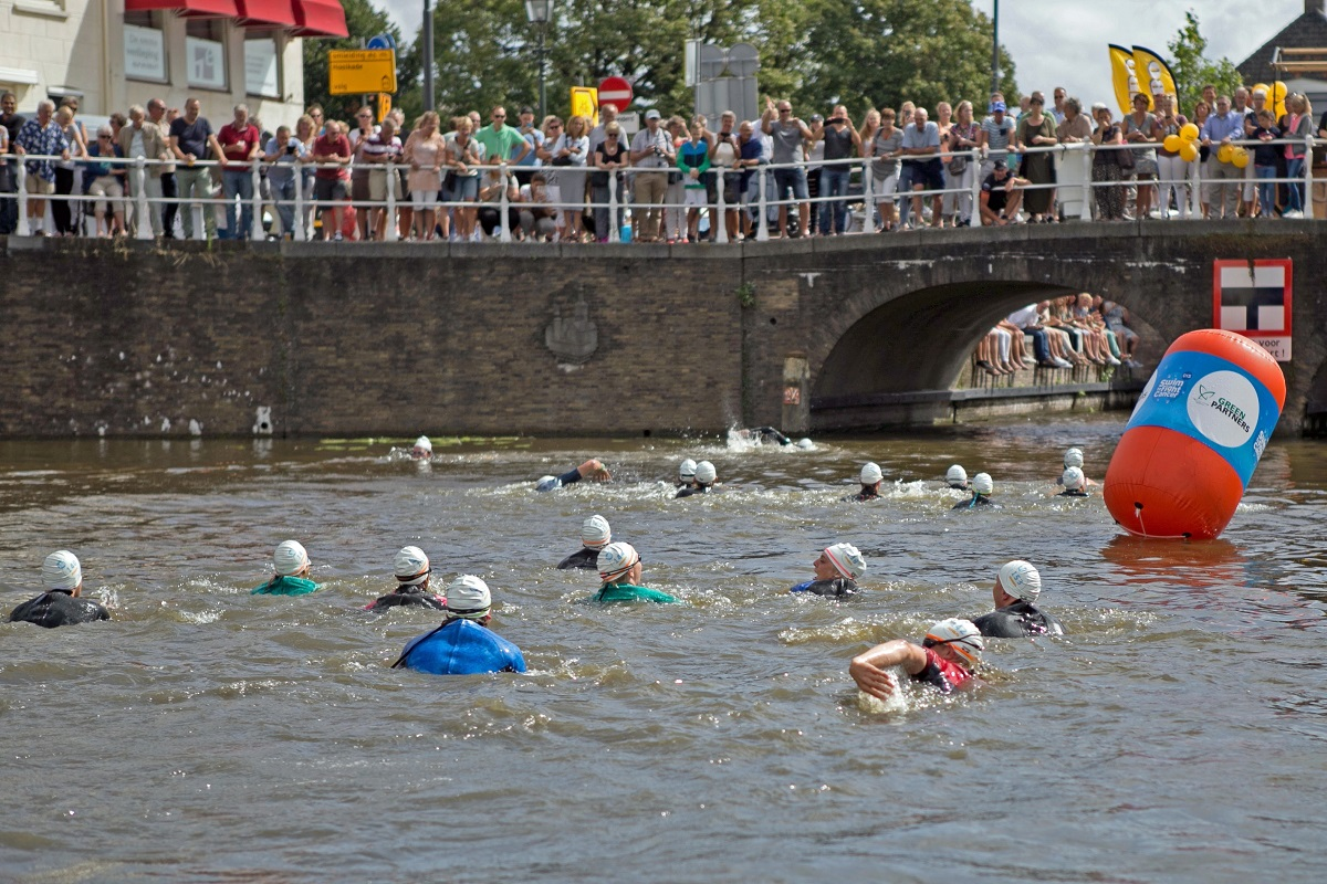 swim to fight cancer delft