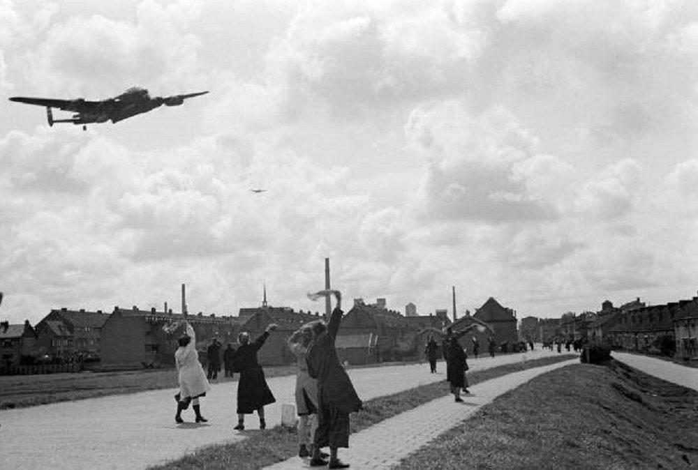 Brasserskade, 1945