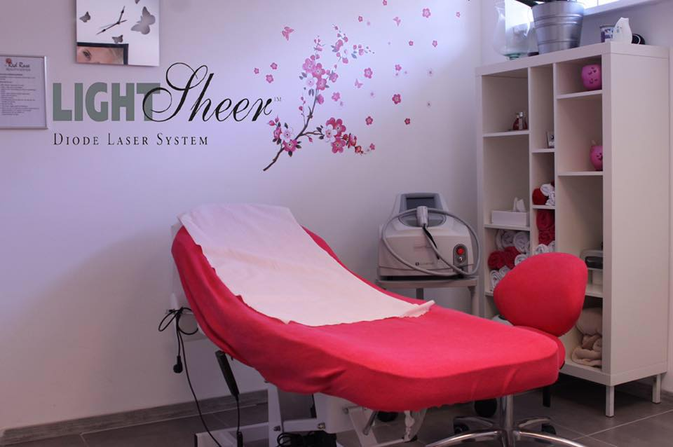 red rose beautycenter