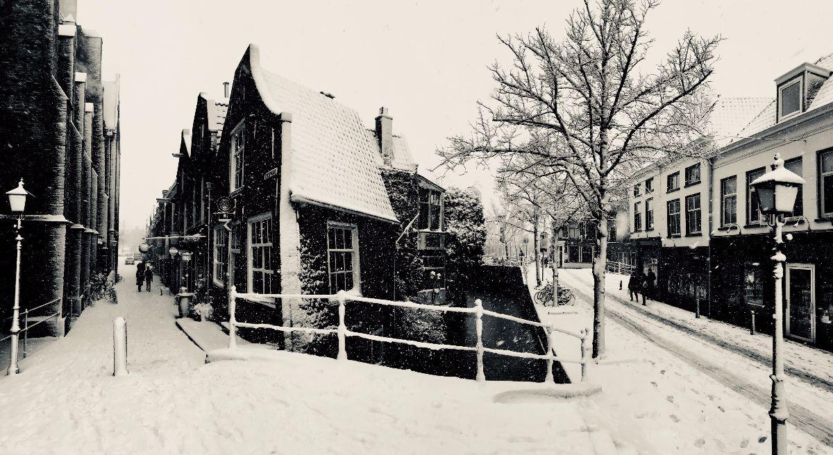 delft in de sneeuw