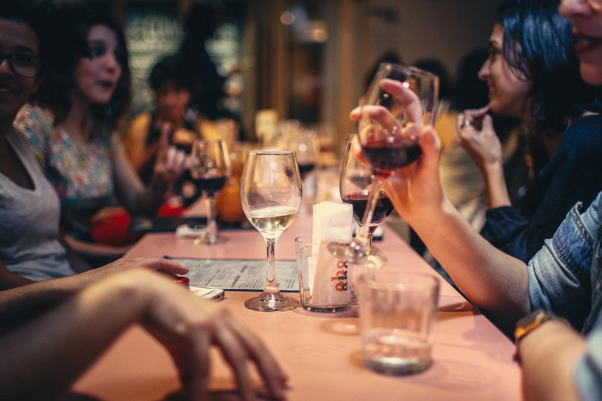 borrelen leonidas wijn drinken borrel uit eten