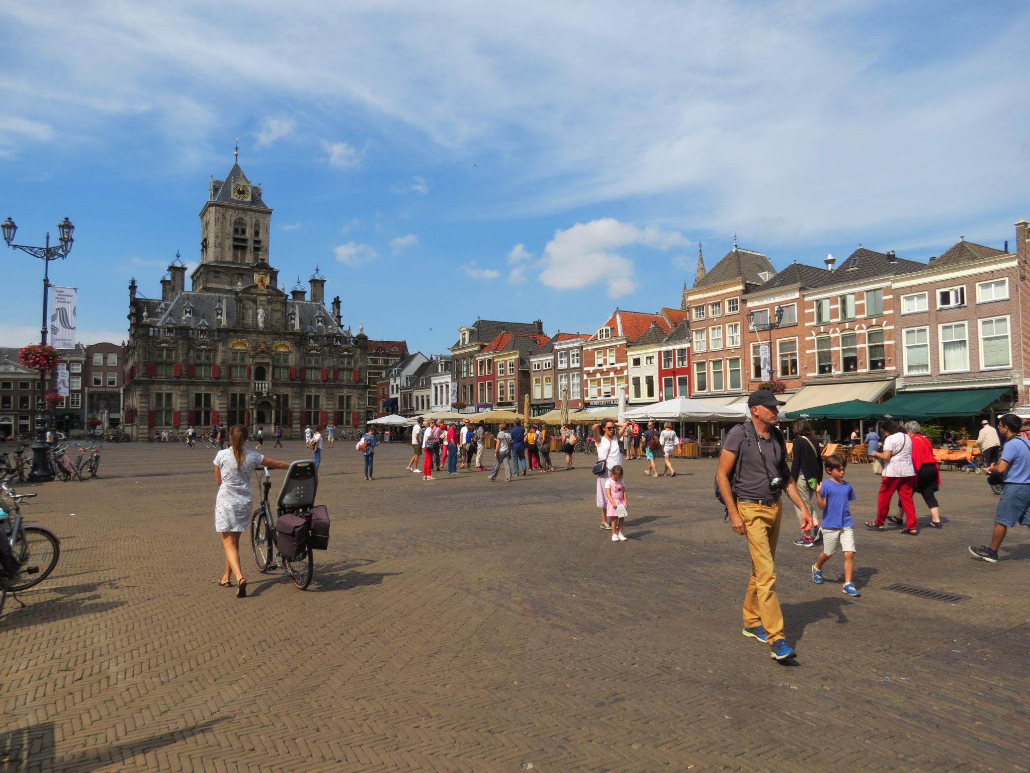 Markt Stadhuis toeristen