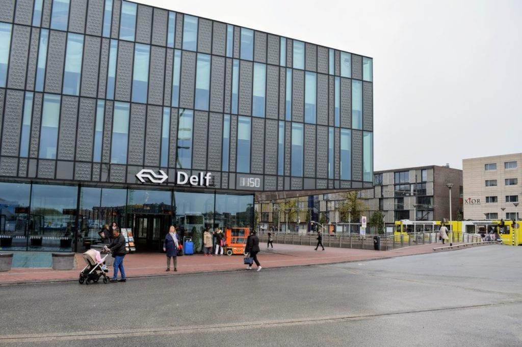 station delf