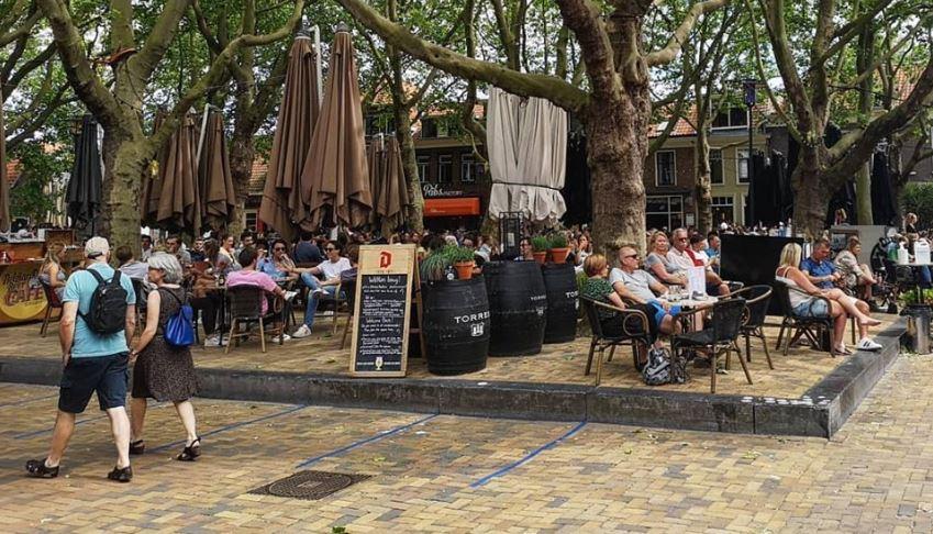 Delft Beestemarkt 1 juni corona terras zonnig