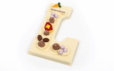 de lelie gianduja chocoladeletter