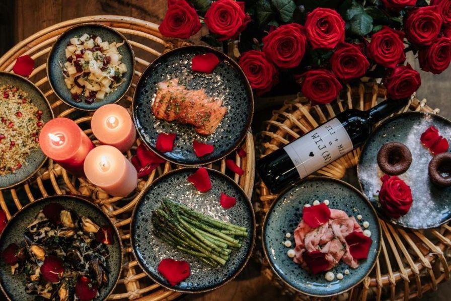 de Sjees Valentijnsbox shared dining