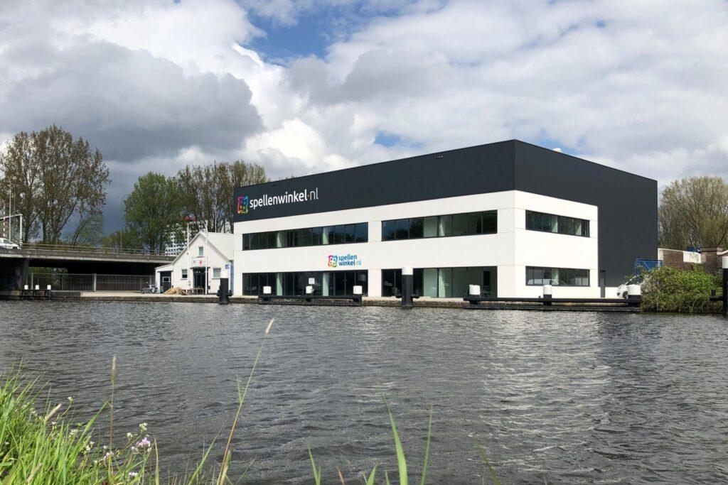 Spellenwinkel.nl in Delft, buitenkant