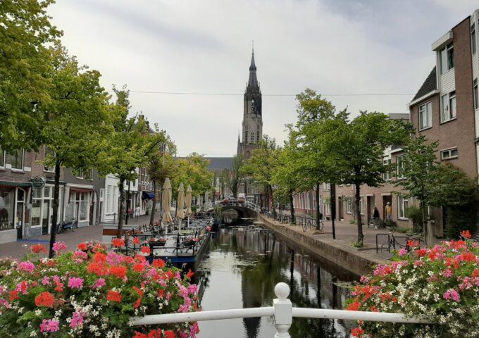 Delft gracht algemene foto Mark Vrolijk