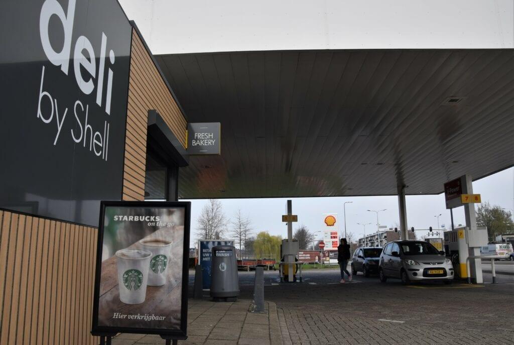 Shell Petelaar benzinestation goedkoop tanken den bosch