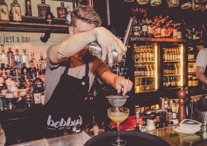 assistent bedrijfsleider bobby's bar