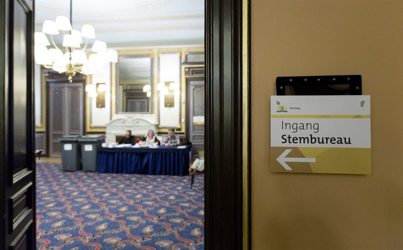 Stembureau Des Indes Gemeenteraadsverkiezing Den Haag 2014. Foto ANP